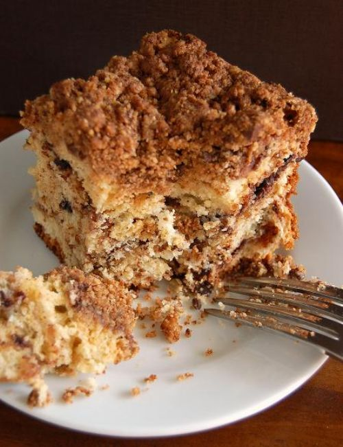 Cinnamon Earthqake Crumb Pound Cake