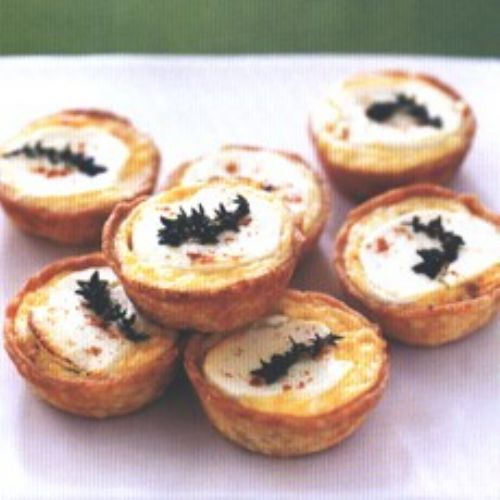 Caramelized Onion Tartlets Goats' Cheese/Thyme