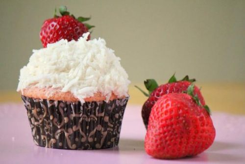 Fresh Strawberry Cupcakes w/ Vegan Coconut Frostin