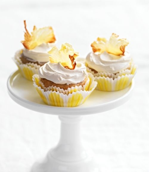 HUMMINGBIRD CUPCAKES WITH TOFFEE PINEAPPLE