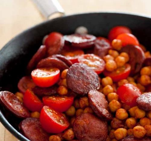 Chorizo with Chickpeas & Tomato