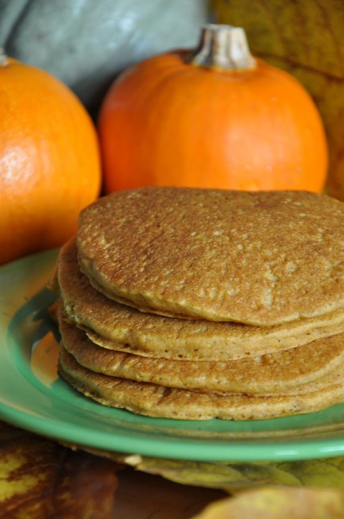 Light & Fluffy Pumpkin Pancakes