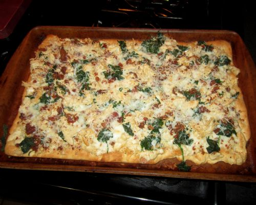 (wood) spinach carbonara pizza