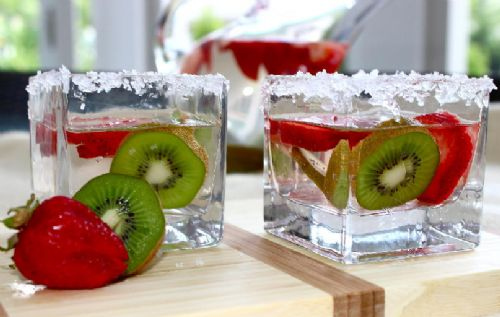Strawberry and Kiwi - Infused Water