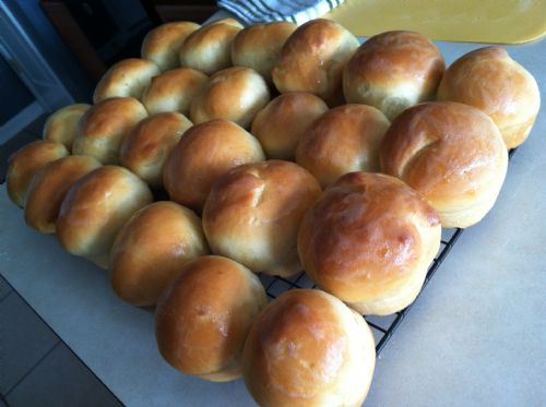 Pillow Soft Dinner Rolls