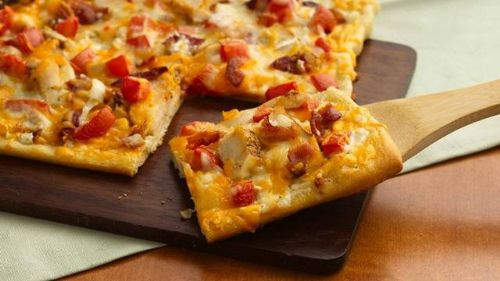 Chicken 'n Bacon Ranch Pizza