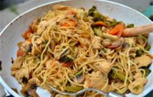 Stir fry chicken noodles