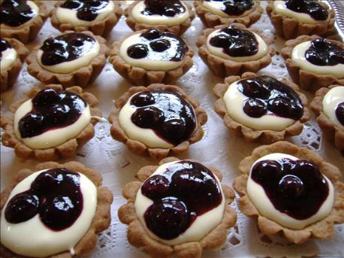 Blueberry Tarts With Lemon Cream