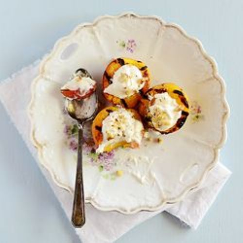 Grilled Peaches with Vanilla Cream
