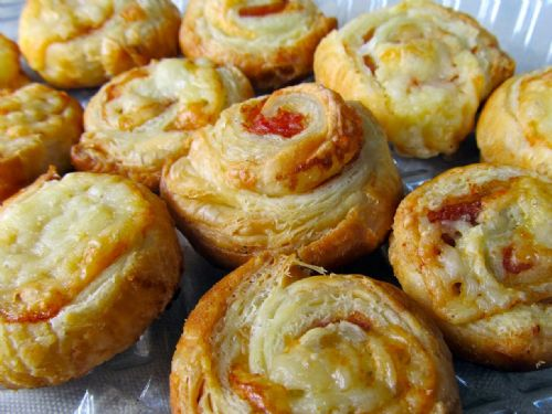 Prosciutto and Gruyere Pastry Pinwheels