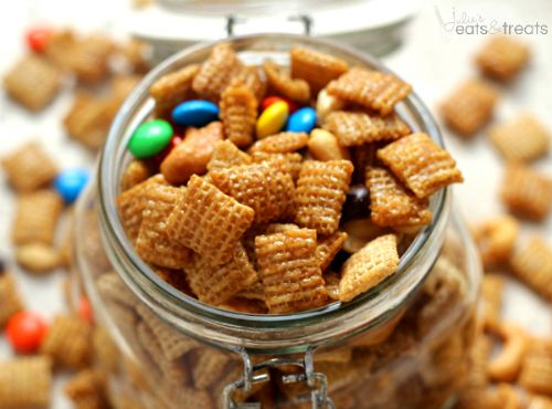 Sweet and Salty Cashew Chex Mix