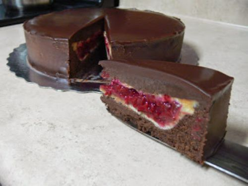Raspberry Pie inside a Dark Choco Cake