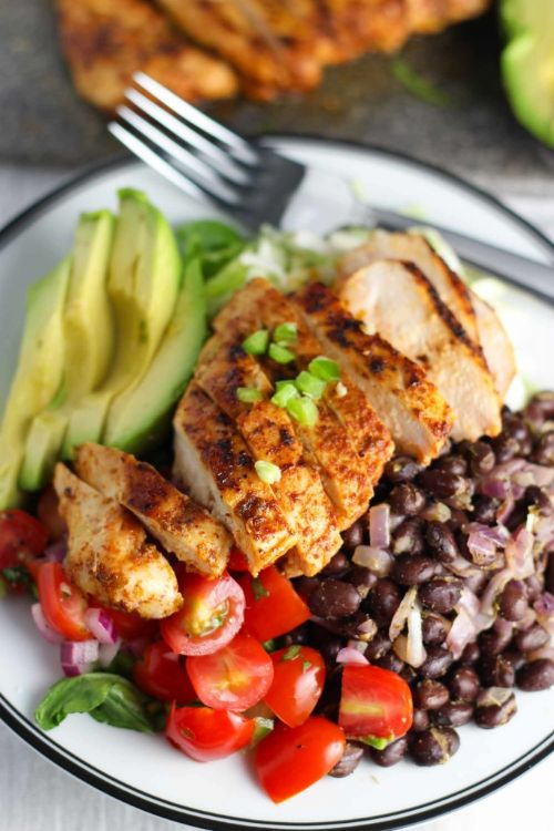 CHIPOTLE CHICKEN SALAD WITH PICO DE GALLO