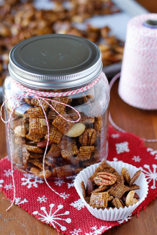 15 Minute Gingerbread Chex Mix