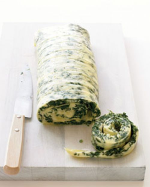 Family-Style Rolled Omelet with Spinach and Chedda