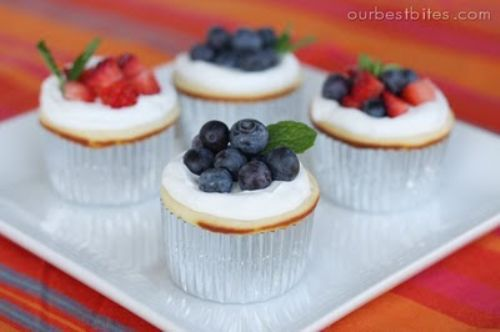Mini Cheesecakes with Berry Sauce