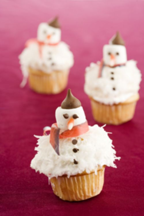 FRENCH SNOWMAN CUPCAKES