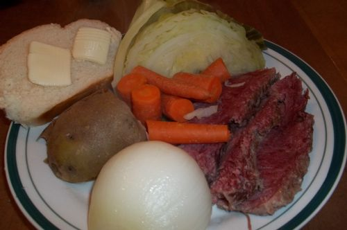 (OZ) CORNED BEEF AND CABBAGE
