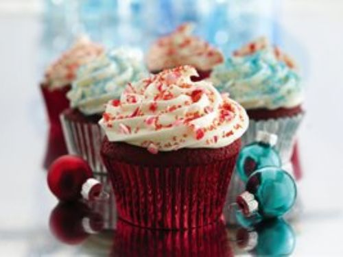 Red Velvet Cupcakes w/ Cream Cheese Filling & Fro