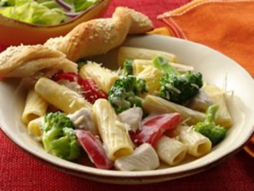 Chicken Rigatoni with Broccoli and Peppers