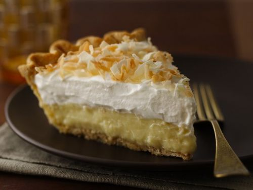 TRIPLE -THREAT COCONUT CREAM PIE