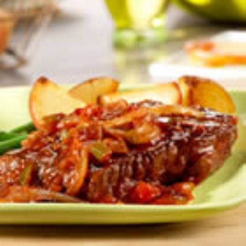 PICANTE BEEF STEAK WITH SAUTEED ONIONS