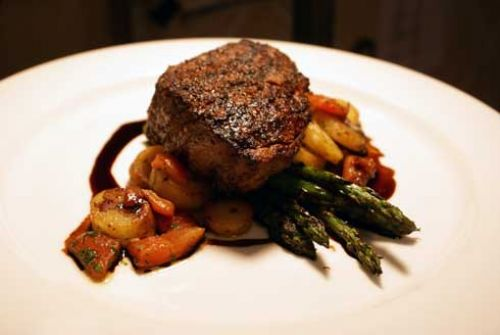 Filet Mignon with Grilled Asparagus