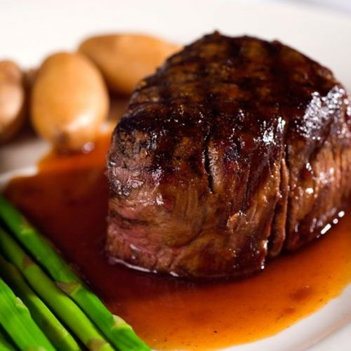 Pan-Seared Filet Mignon with Shiraz Sauce